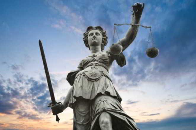 dea della giustizia equa riparazione