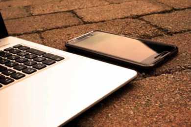 laptop e smartphone